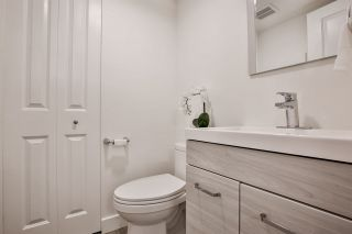 """Photo 8: 981 HOWIE Avenue in Coquitlam: Central Coquitlam Townhouse for sale in """"OAKWOOD"""" : MLS®# R2494241"""