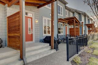 Photo 3: 25 CHAPALINA Square SE in Calgary: Chaparral Row/Townhouse for sale : MLS®# C4273593