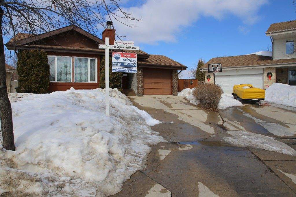 Photo 33: Photos: 28 Woodchester Place in Winnipeg: Charleswood Single Family Detached for sale (South Winnipeg)  : MLS®# 1406268