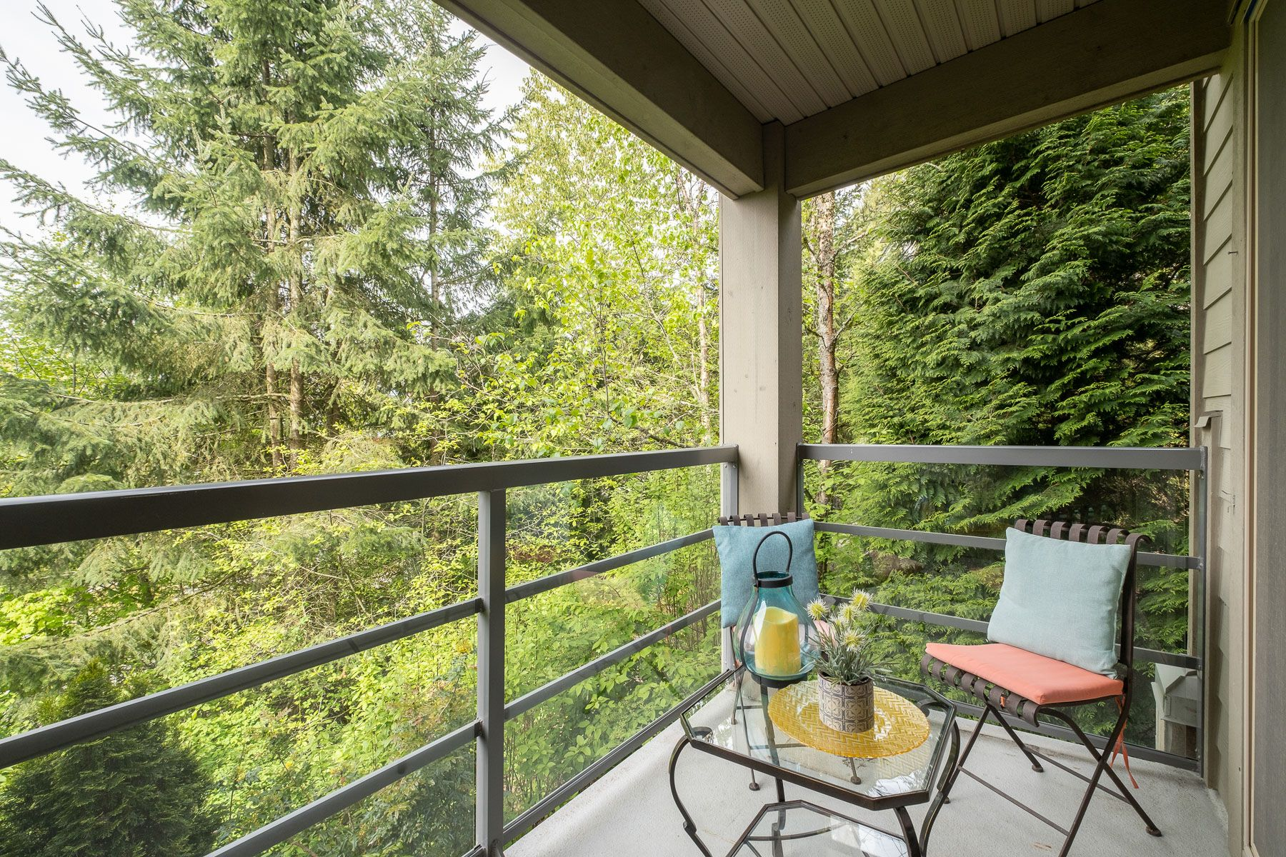 """Photo 14: Photos: 404 9339 UNIVERSITY Crescent in Burnaby: Simon Fraser Univer. Condo for sale in """"HARMONY AT THE HIGHLANDS"""" (Burnaby North)  : MLS®# R2578073"""