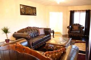 Photo 4: 866 Blyleven Boulevard in Mississauga: Freehold for sale