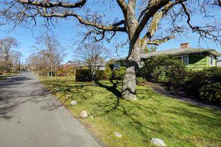 Photo 30: 877 Byng St in : OB South Oak Bay House for sale (Oak Bay)  : MLS®# 807657