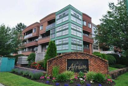 Main Photo: 402 12025 207A Street in Maple Ridge: Northwest Maple Ridge Condo for sale : MLS®# R2137244