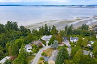 Main Photo: 2508 CRESCENT Drive in Surrey: Crescent Bch Ocean Pk. House for sale (South Surrey White Rock)  : MLS®# R2624583