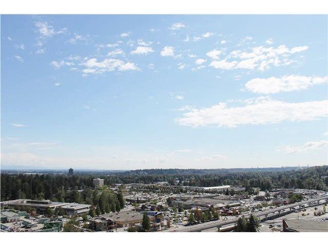 """Photo 12: Photos: 2307 2980 ATLANTIC Avenue in Coquitlam: North Coquitlam Condo for sale in """"THE LEVO"""" : MLS®# R2042903"""