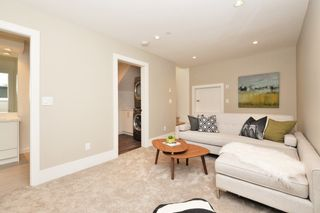 "Photo 15: 88 E 26TH Avenue in Vancouver: Main House for sale in ""MAIN STREET"" (Vancouver East)  : MLS®# R2108921"