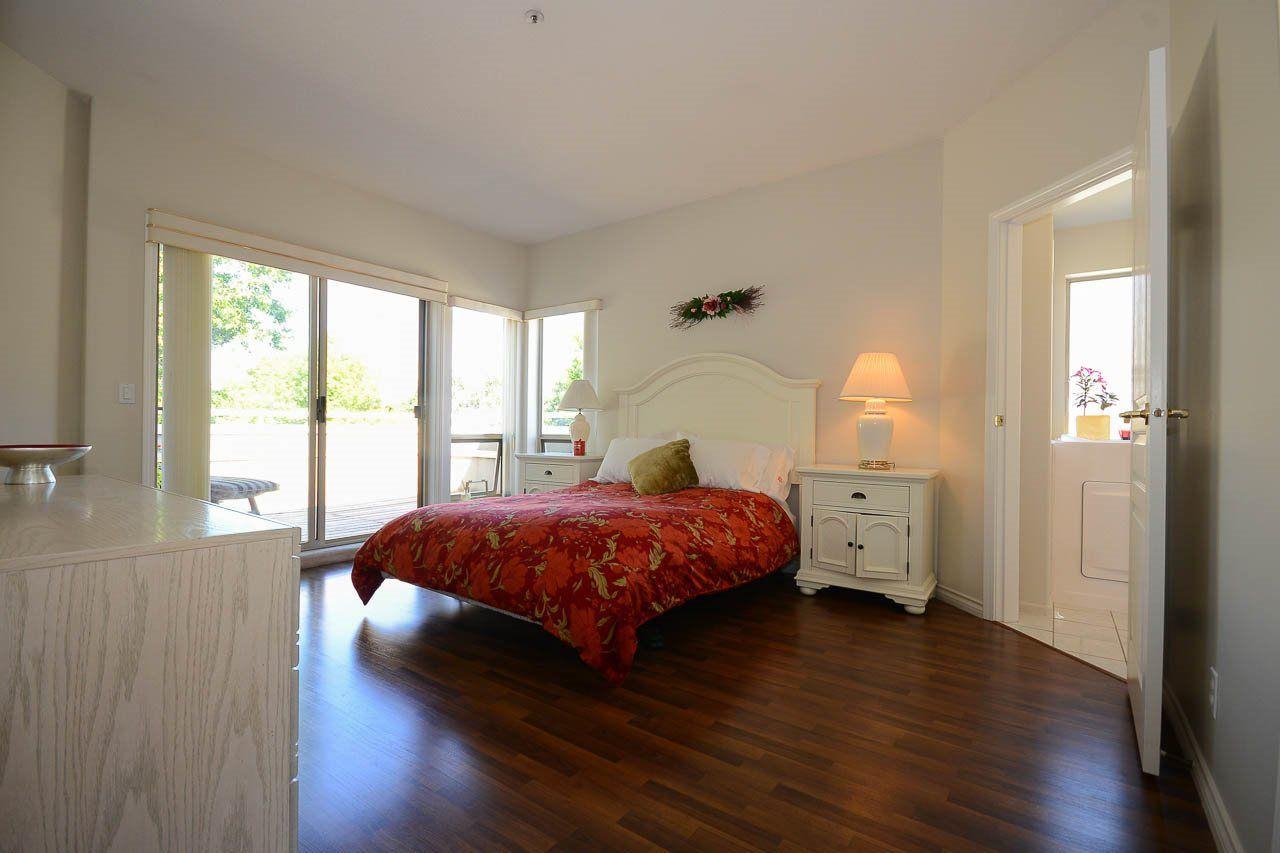 """Photo 9: Photos: 302S 1100 56 Street in Delta: Tsawwassen East Condo for sale in """"ROYAL OAKS"""" (Tsawwassen)  : MLS®# R2093425"""