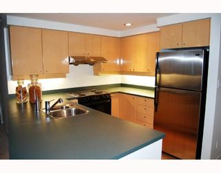 """Photo 3: 3605 1009 EXPO Boulevard in Vancouver: Downtown VW Condo for sale in """"LANDMARK 33"""" (Vancouver West)  : MLS®# V684446"""