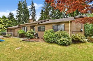 Photo 2: 8998 EMIRY Street in Mission: Mission BC House for sale : MLS®# R2625118