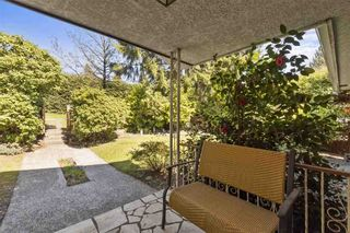 Photo 3: 2314 ROSEDALE Drive in Vancouver: Fraserview VE House for sale (Vancouver East)  : MLS®# R2569771