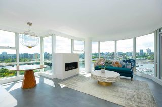 """Photo 1: 1602 1077 MARINASIDE Crescent in Vancouver: Yaletown Condo for sale in """"Marinaside Resort Residences"""" (Vancouver West)  : MLS®# R2592823"""