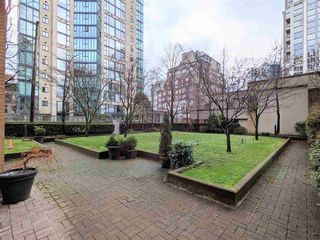 "Photo 11: 2310 1188 RICHARDS Street in Vancouver: Yaletown Condo for sale in ""PARK PLAZA"" (Vancouver West)  : MLS®# R2535019"