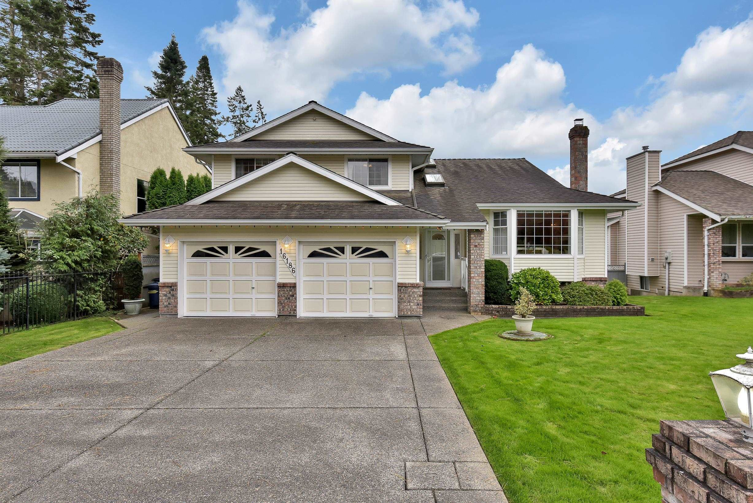 """Main Photo: 16186 9 Avenue in Surrey: King George Corridor House for sale in """"McNally reek"""" (South Surrey White Rock)  : MLS®# R2624752"""