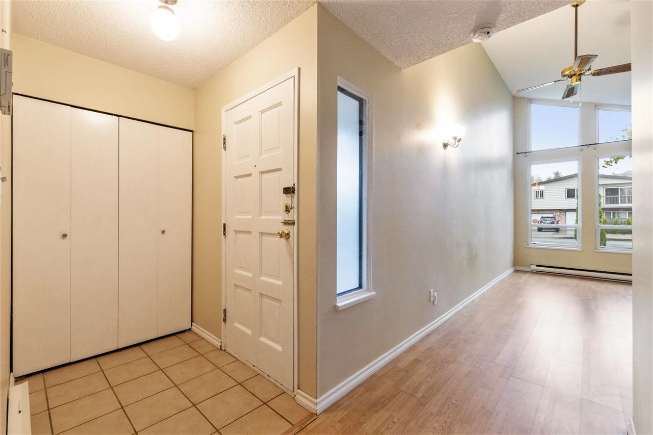 Photo 4: Photos: 805 GREENE Street in Coquitlam: Meadow Brook House for sale : MLS®# R2513722