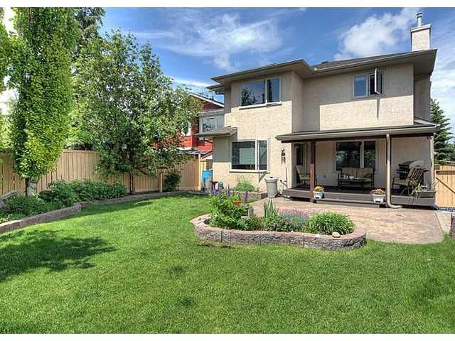 Main Photo: 256 SUNDOWN Way SE in CALGARY: Sundance Residential Detached Single Family for sale (Calgary)  : MLS®# C3621423