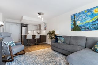 """Photo 5: 909 1783 MANITOBA Street in Vancouver: False Creek Condo for sale in """"RESIDENCES AT WEST"""" (Vancouver West)  : MLS®# R2625180"""