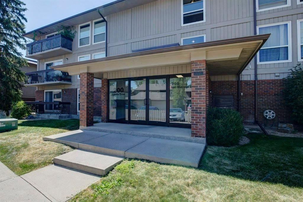 Main Photo: 211 860 MIDRIDGE Drive SE in Calgary: Midnapore Apartment for sale : MLS®# A1025315