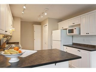 "Photo 5: 53 8111 160TH Street in Surrey: Fleetwood Tynehead Townhouse for sale in ""Coyote Ridge"" : MLS®# F1110791"