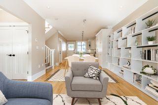 "Photo 5: 2029 ESQUIMALT Avenue in West Vancouver: Ambleside 1/2 Duplex for sale in ""Hollyburn Mews"" : MLS®# R2618342"