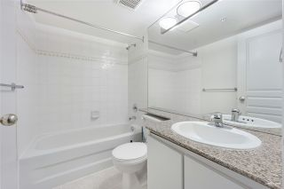 """Photo 18: 1508 1189 HOWE Street in Vancouver: Downtown VW Condo for sale in """"GENESIS"""" (Vancouver West)  : MLS®# R2528106"""