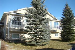 Photo 2: 15 Highlands Place W in Lethbridge: West Highlands Multi-Family for sale : MLS®# A1054611