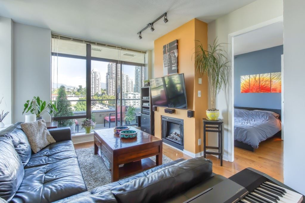 """Main Photo: 805 2355 MADISON Avenue in Burnaby: Brentwood Park Condo for sale in """"OMA"""" (Burnaby North)  : MLS®# R2494939"""