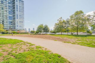 """Photo 34: 805 980 COOPERAGE Way in Vancouver: Yaletown Condo for sale in """"COOPERS POINTE by Concord Pacific"""" (Vancouver West)  : MLS®# R2614161"""