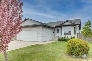 Photo 2: 102 Overholt Crescent in Saskatoon: Arbor Creek Residential for sale : MLS®# SK856160