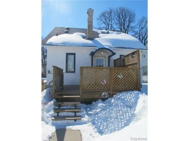 Photo 3: Photos:  in WINNIPEG: North End Residential for sale (North West Winnipeg)  : MLS®# 1404958