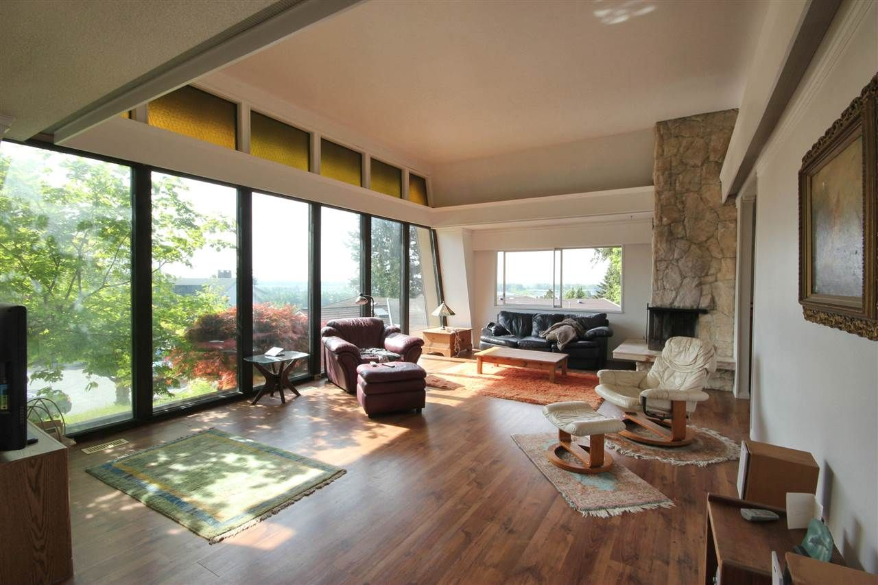 Photo 3: Photos: 4807 PATRICK PLACE in Burnaby: South Slope House for sale (Burnaby South)
