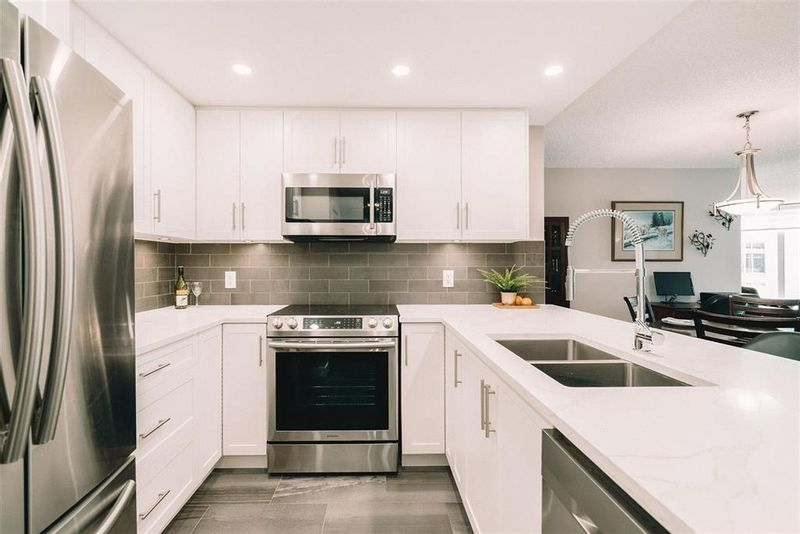 FEATURED LISTING: 507 - 71 Jamieson Court New Westminster