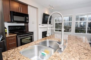 """Photo 6: 208 3250 ST JOHNS Street in Port Moody: Port Moody Centre Condo for sale in """"The Square"""" : MLS®# R2223763"""