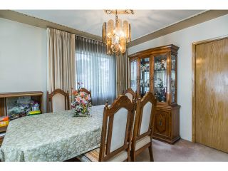 Photo 3: 2439 E 2ND AV in Vancouver: Renfrew VE House for sale (Vancouver East)  : MLS®# V1117329