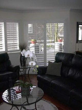 Photo 12: BEAUTIFULLY RENOVATED 3-BR TOWNHOUSE!