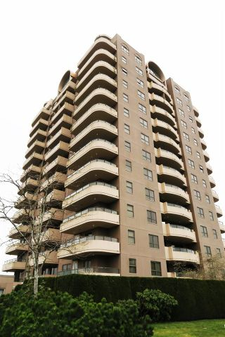 """Photo 8: 802 6611 COONEY Road in Richmond: Brighouse Condo for sale in """"MANHATTAN TOWER"""" : MLS®# R2143069"""