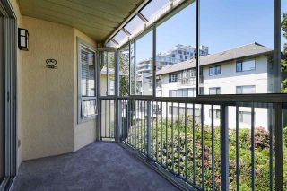 """Photo 15: 304 1459 BLACKWOOD Street: White Rock Condo for sale in """"CHARTWELL"""" (South Surrey White Rock)  : MLS®# R2393628"""