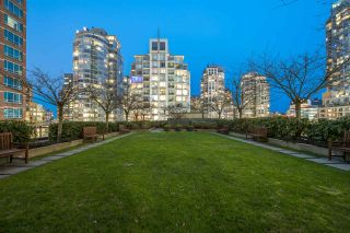 "Photo 21: 1805 788 RICHARDS Street in Vancouver: Downtown VW Condo for sale in ""L'HERMITAGE"" (Vancouver West)  : MLS®# R2539853"