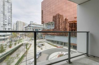 Photo 2: 521 68 Smithe Street in Vancouver: Yaletown Condo for sale (Vancouver West)  : MLS®# R2485531