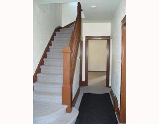 Photo 2: 826 STELLA Avenue in WINNIPEG: North End Residential for sale (North West Winnipeg)  : MLS®# 2904842