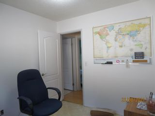 Photo 13: 357 Woodvale Crescent SW in Calgary: Woodlands Semi Detached for sale : MLS®# A1135631