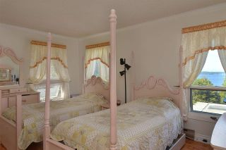 """Photo 13: 5160 RADCLIFFE Road in Sechelt: Sechelt District House for sale in """"SELMA PARK"""" (Sunshine Coast)  : MLS®# R2100427"""
