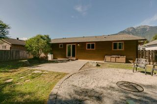 """Photo 20: 41374 DRYDEN Road in Squamish: Brackendale House for sale in """"Brackendale"""" : MLS®# R2198766"""
