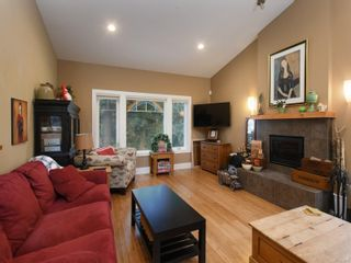 Photo 5: 6830 East Saanich Rd in : CS Saanichton House for sale (Central Saanich)  : MLS®# 873148