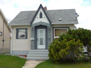 Photo 3: 895 Magnus Avenue in WINNIPEG: North End Residential for sale (North West Winnipeg)  : MLS®# 1019234