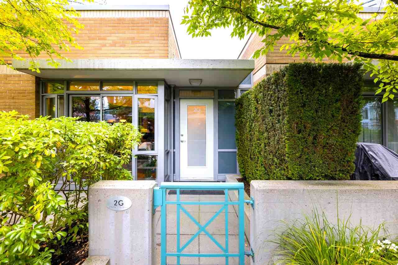 Main Photo: 2G 1067 MARINASIDE Crescent in Vancouver: Yaletown Townhouse for sale (Vancouver West)  : MLS®# R2590962
