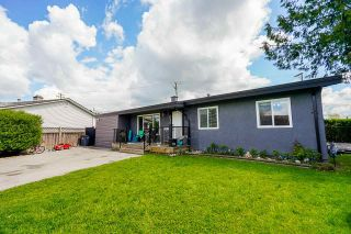 Photo 2: 6038 175B Street in Surrey: Cloverdale BC House for sale (Cloverdale)  : MLS®# R2575988