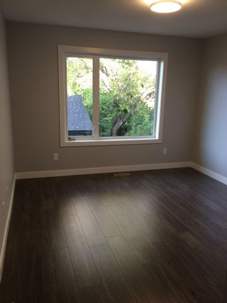 Photo 5: 10511 154 Street in Edmonton: Zone 21 House Half Duplex for sale : MLS®# E4266351