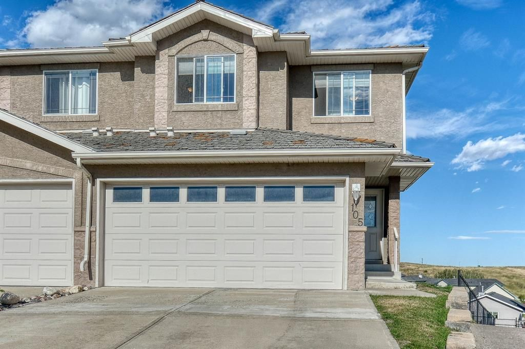 Main Photo: 105 Royal Crest View NW in Calgary: Royal Oak Residential for sale : MLS®# A1060372