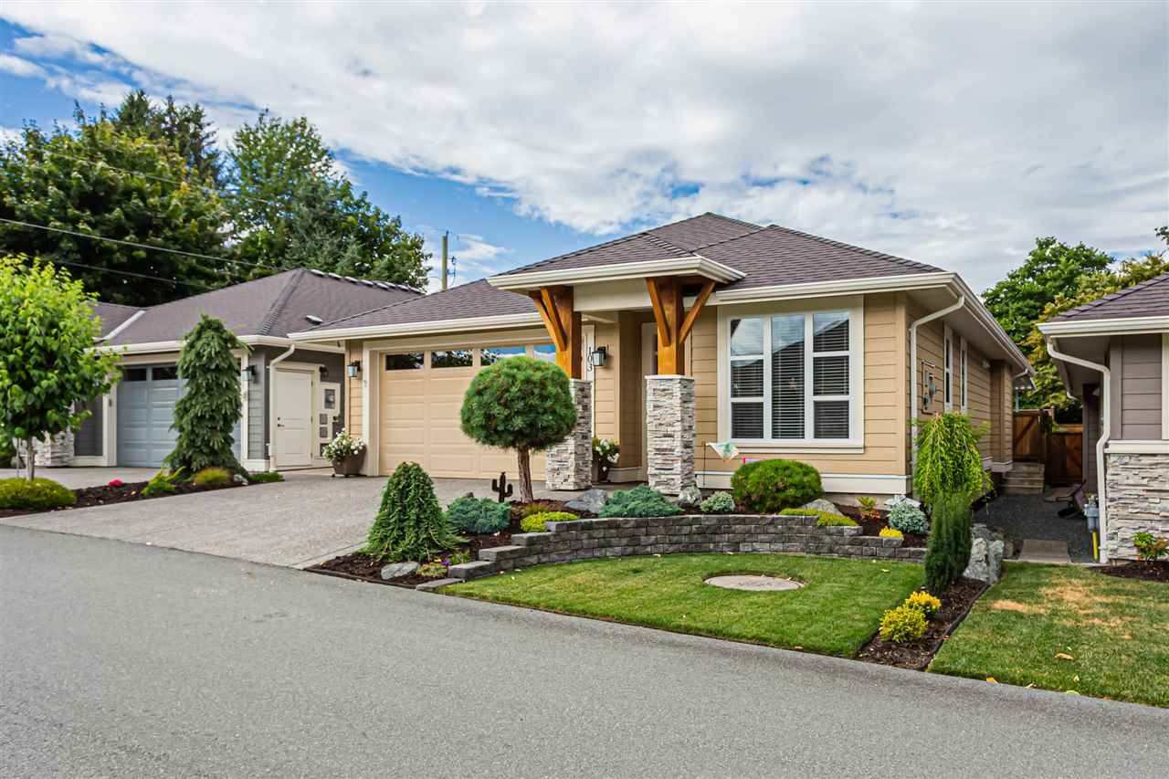 Main Photo: 103 6540 DOGWOOD Drive in Chilliwack: Sardis West Vedder Rd House for sale (Sardis)  : MLS®# R2484259
