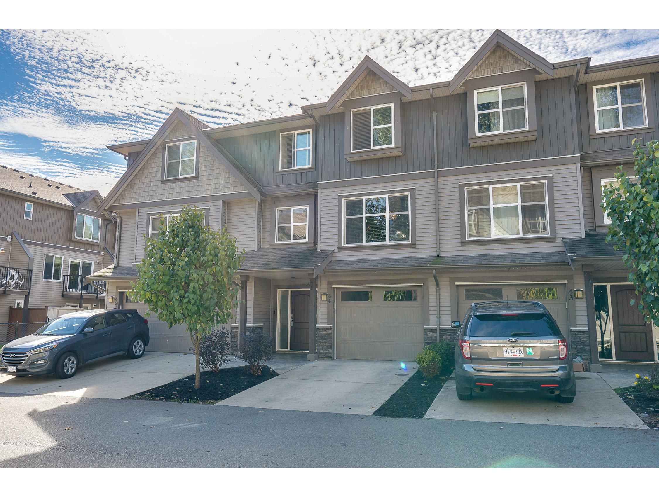 """Main Photo: 44 45085 WOLFE Road in Chilliwack: Chilliwack W Young-Well Townhouse for sale in """"Townsend Terrace"""" : MLS®# R2620127"""